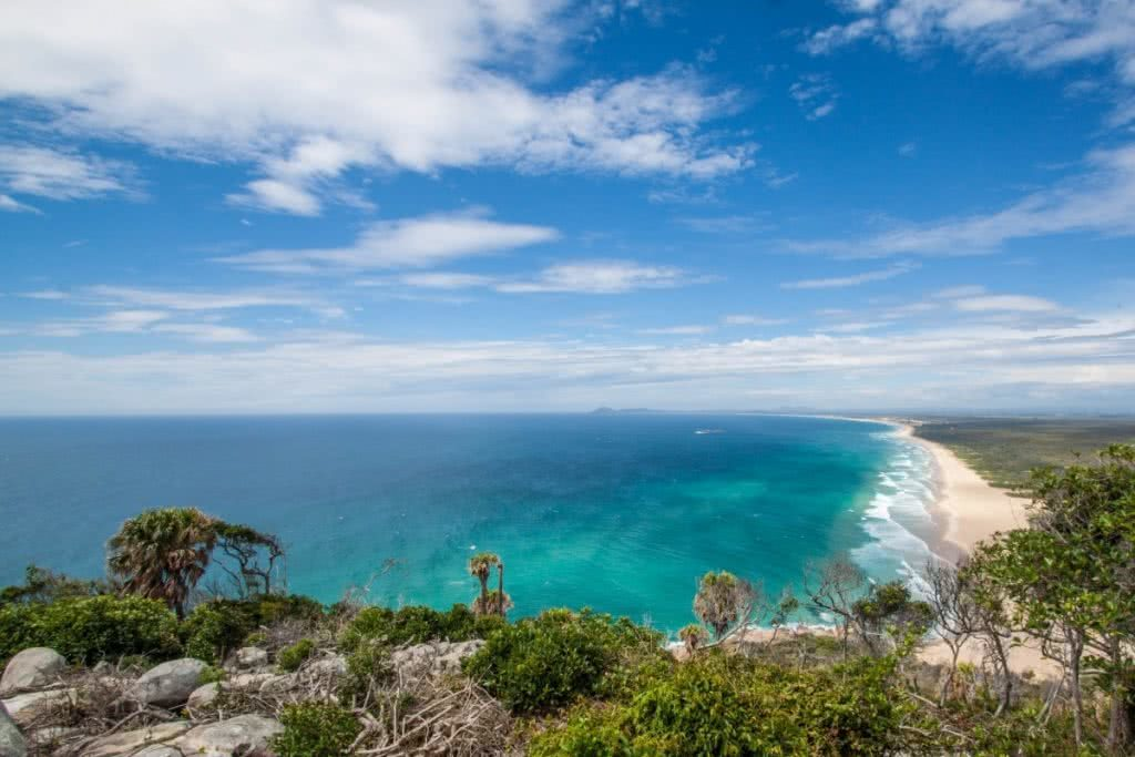 Searching for Alternative Australia // Part 1 Serena Renner, beach, ocean, horizon, lookout, turquoise, blue sky