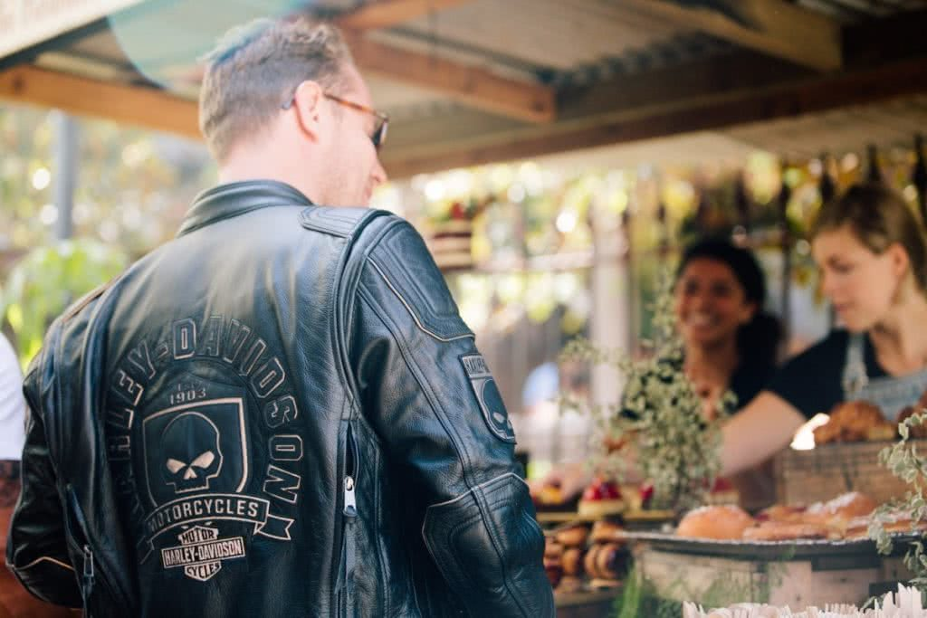 An Urban Adventure // Sydney (NSW) Henry Brydon, Photo Daniel Bolt, leather, coffee shop, smile, cakes