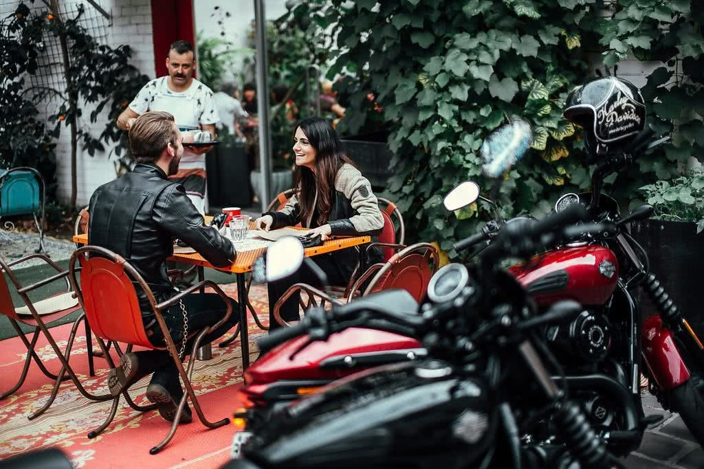 Another Urban Adventure // Melbourne (VIC), Henry Brydon, motorbike, leather, breakfast, cafe, table and chairs