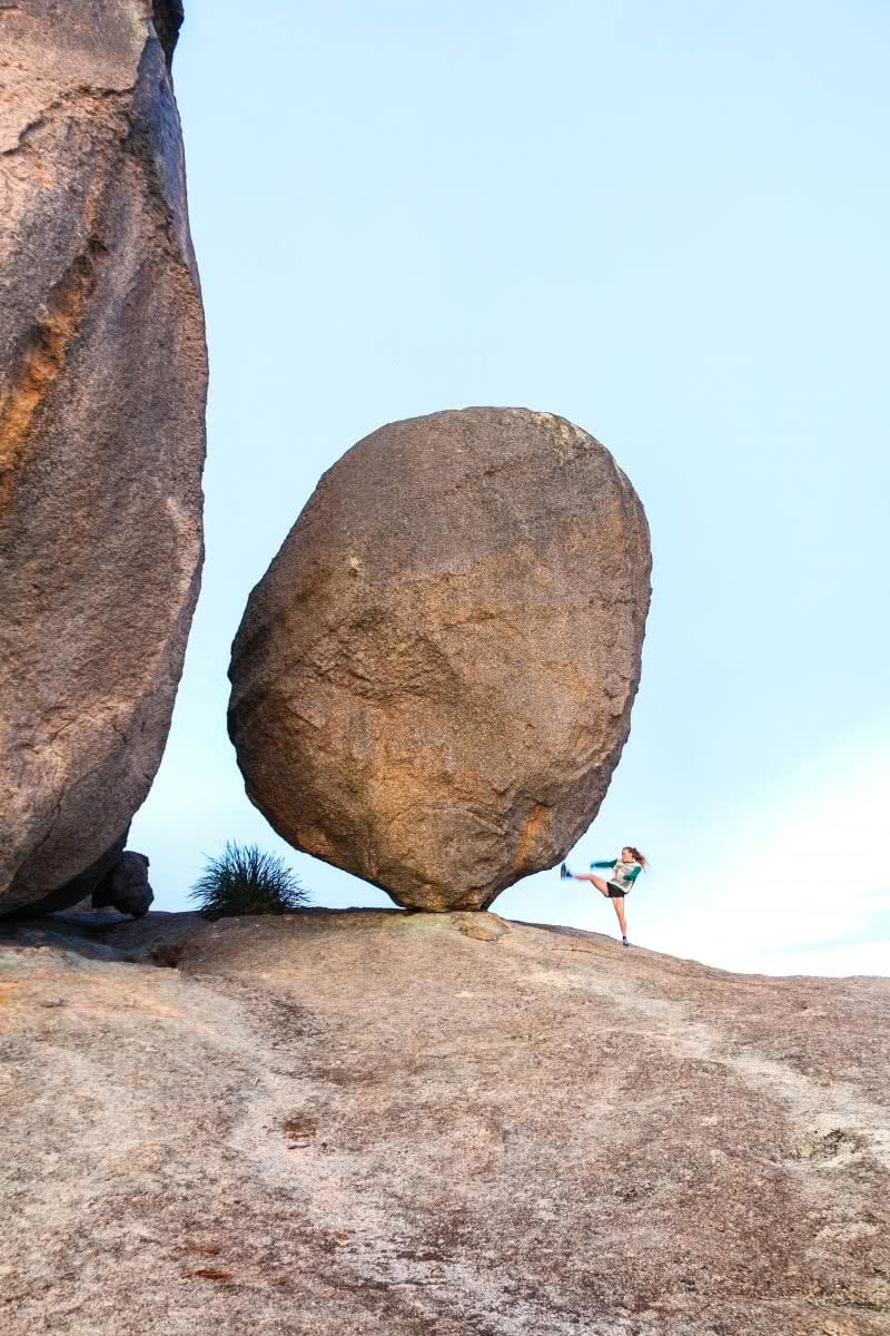 A Giant's Playground // Girraween NP (QLD) Scout Hinchcliffe balancing rock