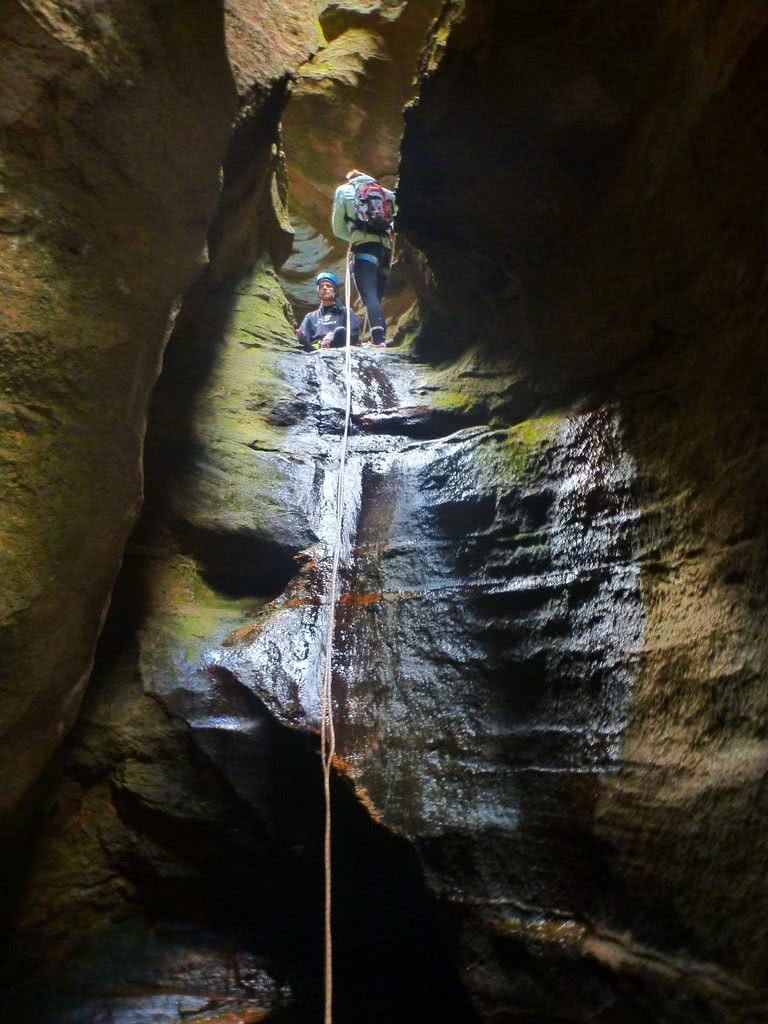 Winter Canyoning at Tiger Snake Canyon // Newnes (NSW,) Warwick Harding, rope, abseiling, wet, moss