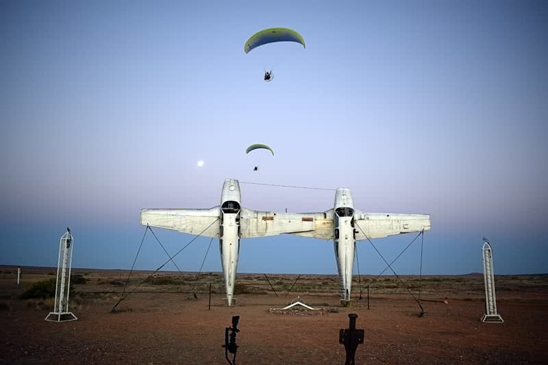 The Twins who Flew to the Australian Red Pole Henry Brydon, paramotor, landing strip, planes