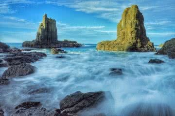 Kiama Coast Walk // Minnamurra to Blowhole Point (NSW) Emily Parisi cathedral rocks formation ocean