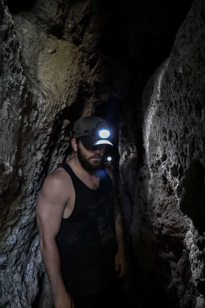 A Gem by the Glitter City Mt Cougals (QLD) Dan Parkes, man, cave, headtorch