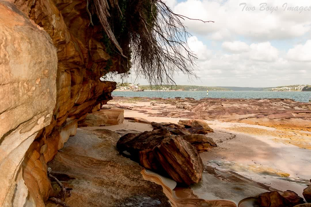 Melissa Bowyer jibbons track beach Sandstone cave