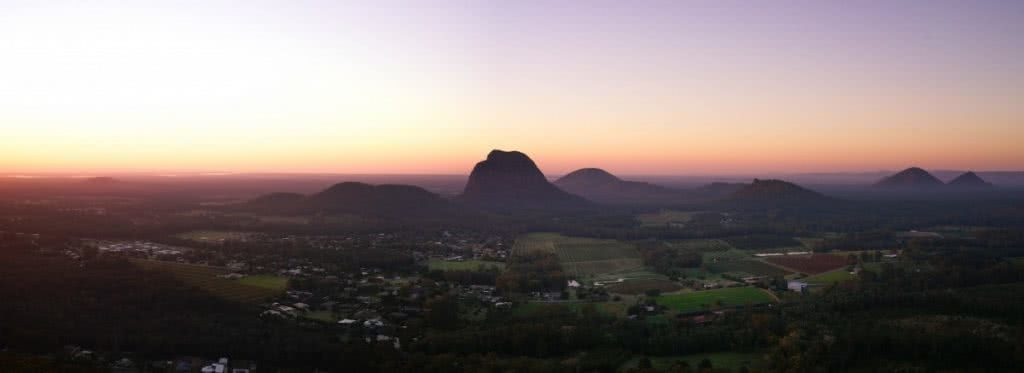 Linda Dillenbeck mt ngungun glass house mountains