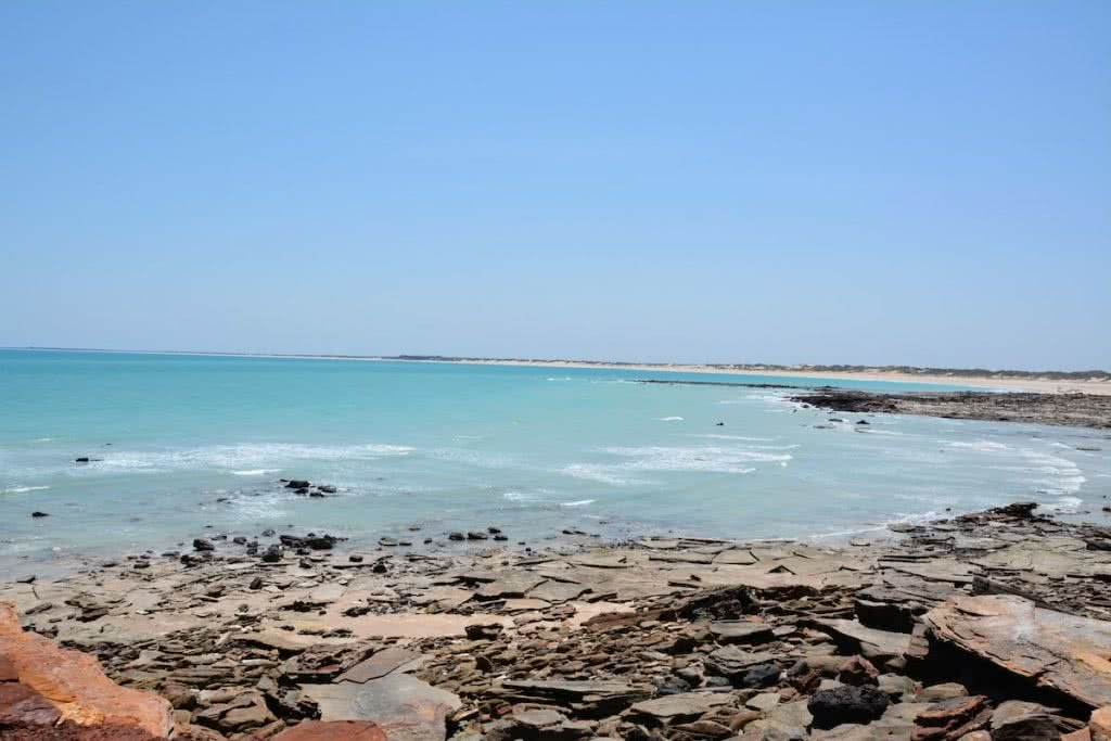 The Pearl of the North West // Broome (WA), Zoe Vaughan, Cable Beach, shale, ocean, coastline