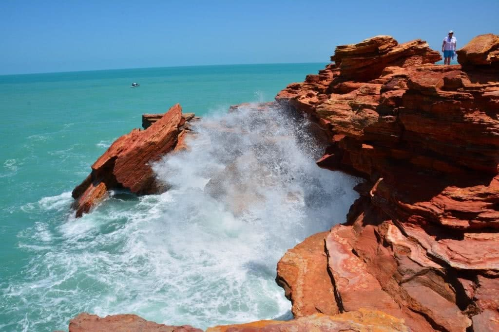 The Pearl of the North West // Broome (WA), Zoe Vaughan, waves, splash, cliff, red rocks