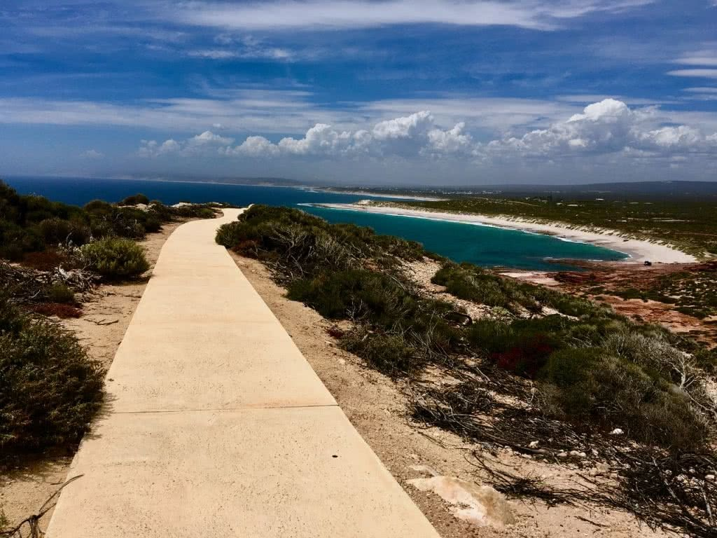 Coral Coast Road Trip // Perth to Shark Bay (WA), Henkjan Schrijver, walkway, ocean, headland