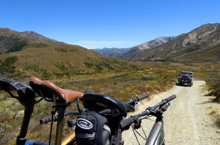 Ian Middleton Bikes With A View Hamner Springs, car, bikes, mountains, view