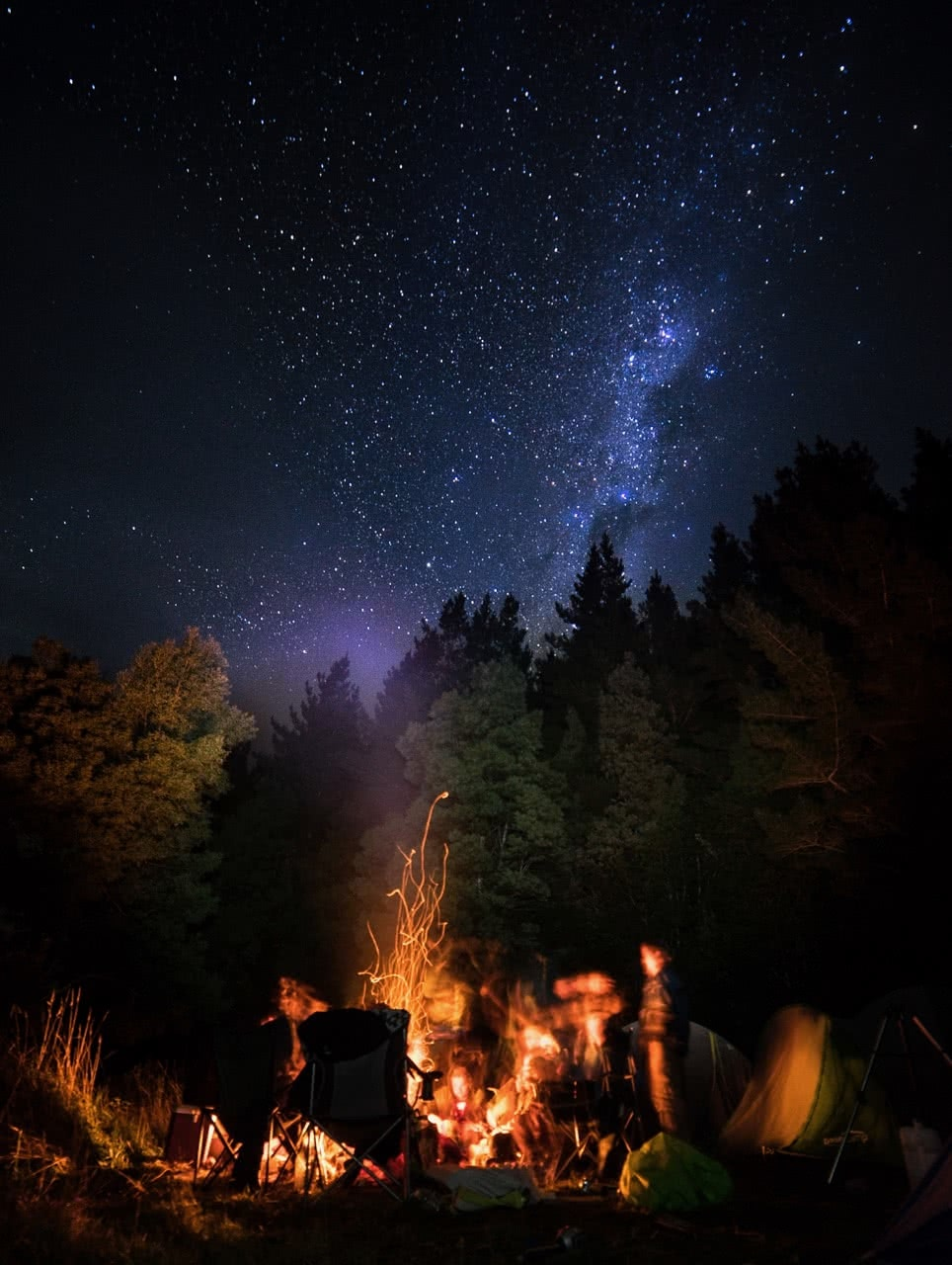 lachie thomas, explorer of the month, astrophotography, stars, hero, camping, fire