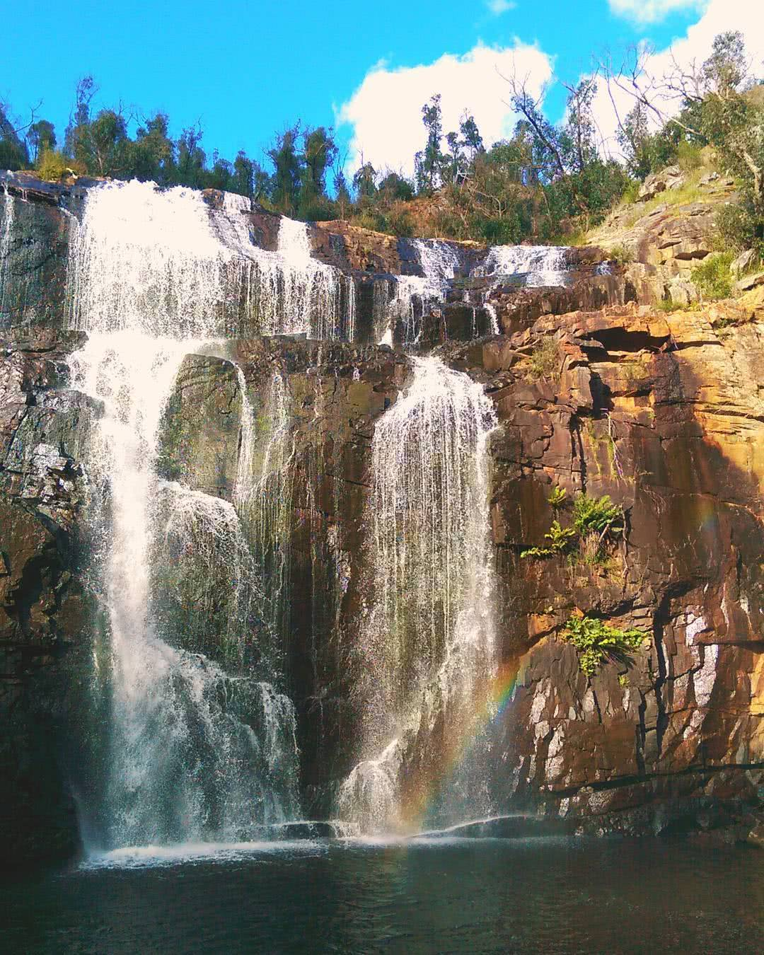 MacKenzie Falls drmostarac instagram 8 Ridiculously Beautiful Victorian Waterfalls To Chase This Summer Pat Corden, waterfall, rainbow