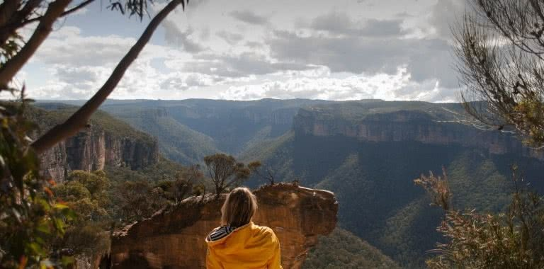 Blackheath to Hanging Rock, Blackheath to Hanging Rock, Matt Pearce, blue mountains, nsw, lookout, view, valley, 10 walks near sydney you can reach by train