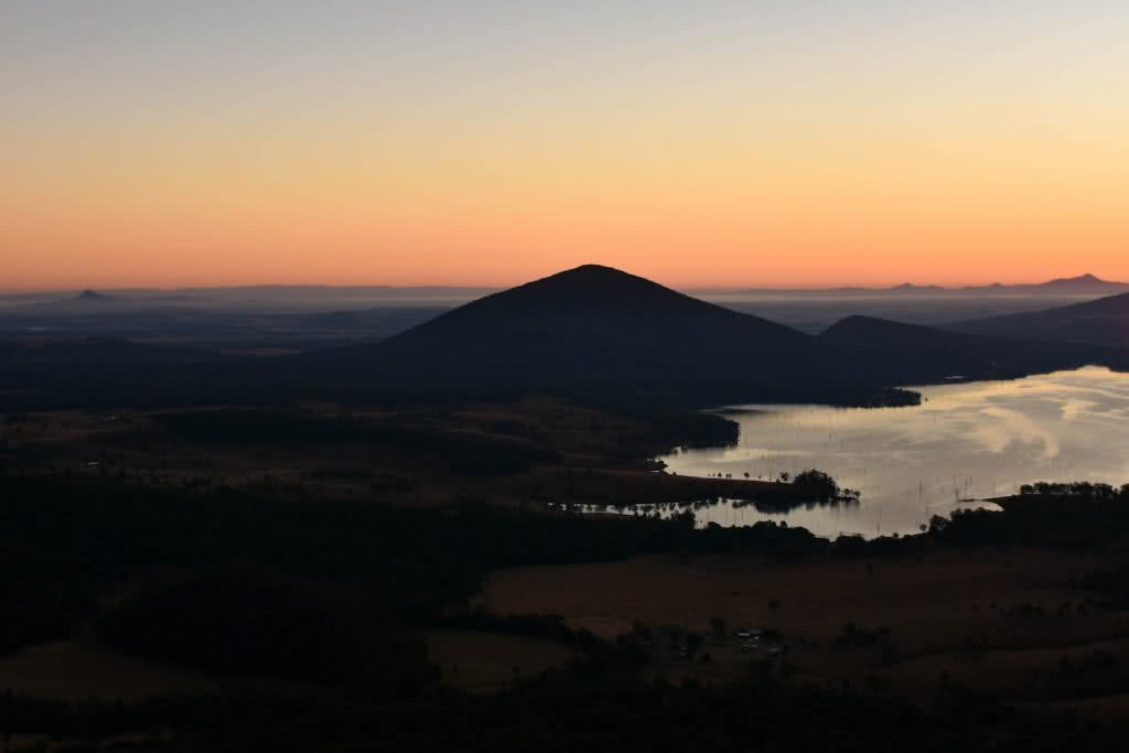 Sunrise from Mt Greville Mountain Silhouette Why I wake Up At 2am Every Weekend Lisa Owen, sunrise, orange, horizon, lake,hero
