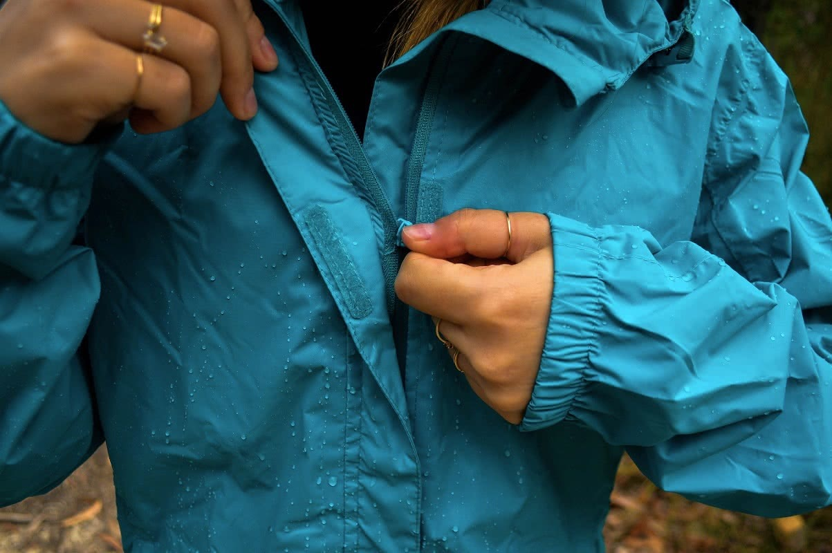 natalie hardbattle, outrak packaway rain jacket, gear review, rays outdoors