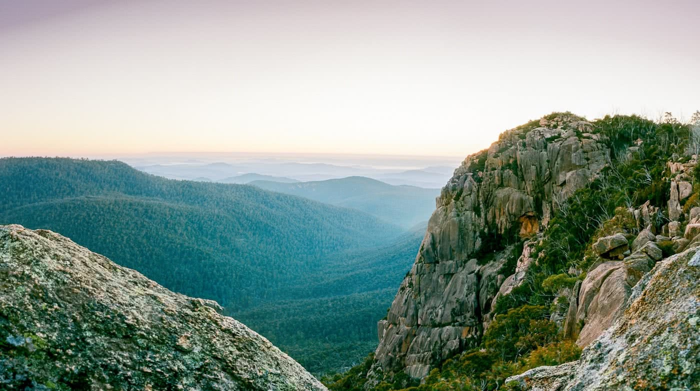 A Blast Up Booroomba Rocks // Namadgi NP (ACT), Dan McInnes, mountains, view, hero, horizon, haze