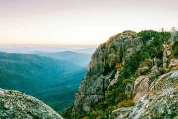 A Blast Up Booroomba Rocks // Namadgi NP (ACT), Dan McInnes, rocks, lookout, horizon, haze, mist, hero