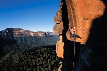 Simon Carter, free climbing, mike law, new route, hall of heroes, blue mountains, nsw