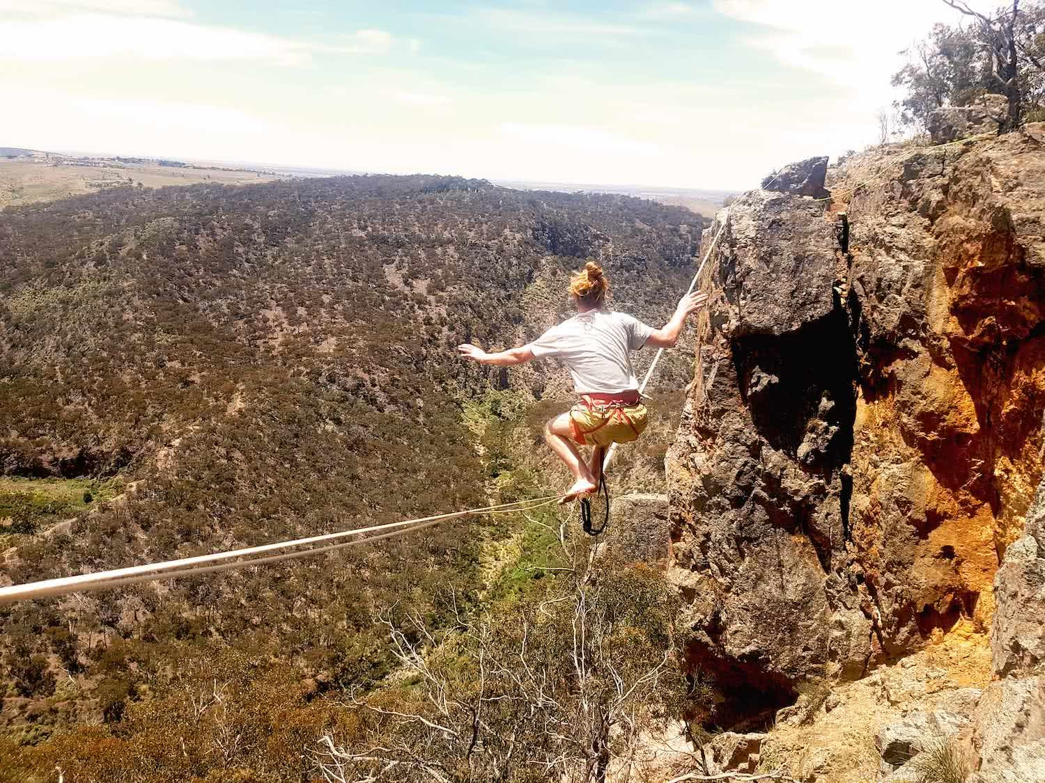 scott runacres, werribee gorge, highline, osprey adventure grant, highlining