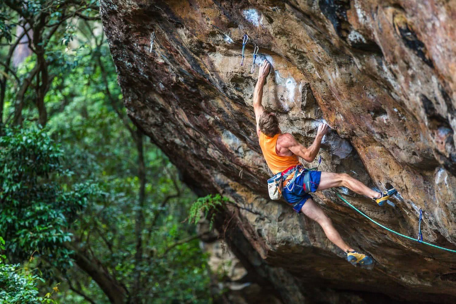 michael evans, mevans photography, anton climbing attack mode, grad 32, beginner rock climbing gear, nowra, nsw