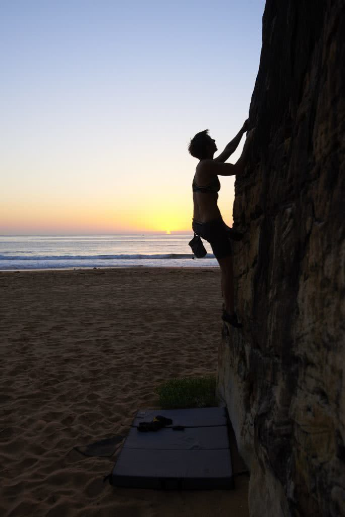 Dawn Bouldering // Palm Beach Rocks (NSW), Neil And Gabby Massey, sunrise, climbing, ocean, beach