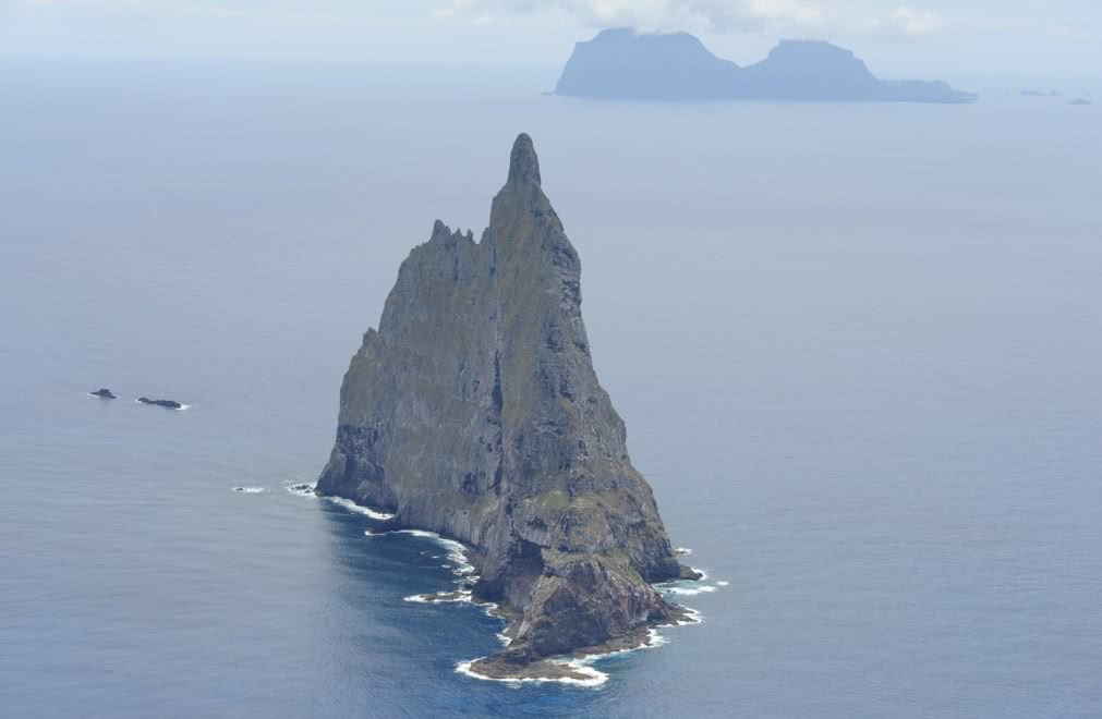 Credit_ Lord Howe Island Tourism, ball's pyramid