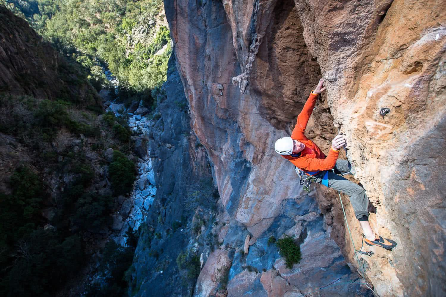 Lee Cossey, shot by Kamil-Sustiak, The North Face, Bungonia Gorge, climbing, pro climber, first ascent, sport