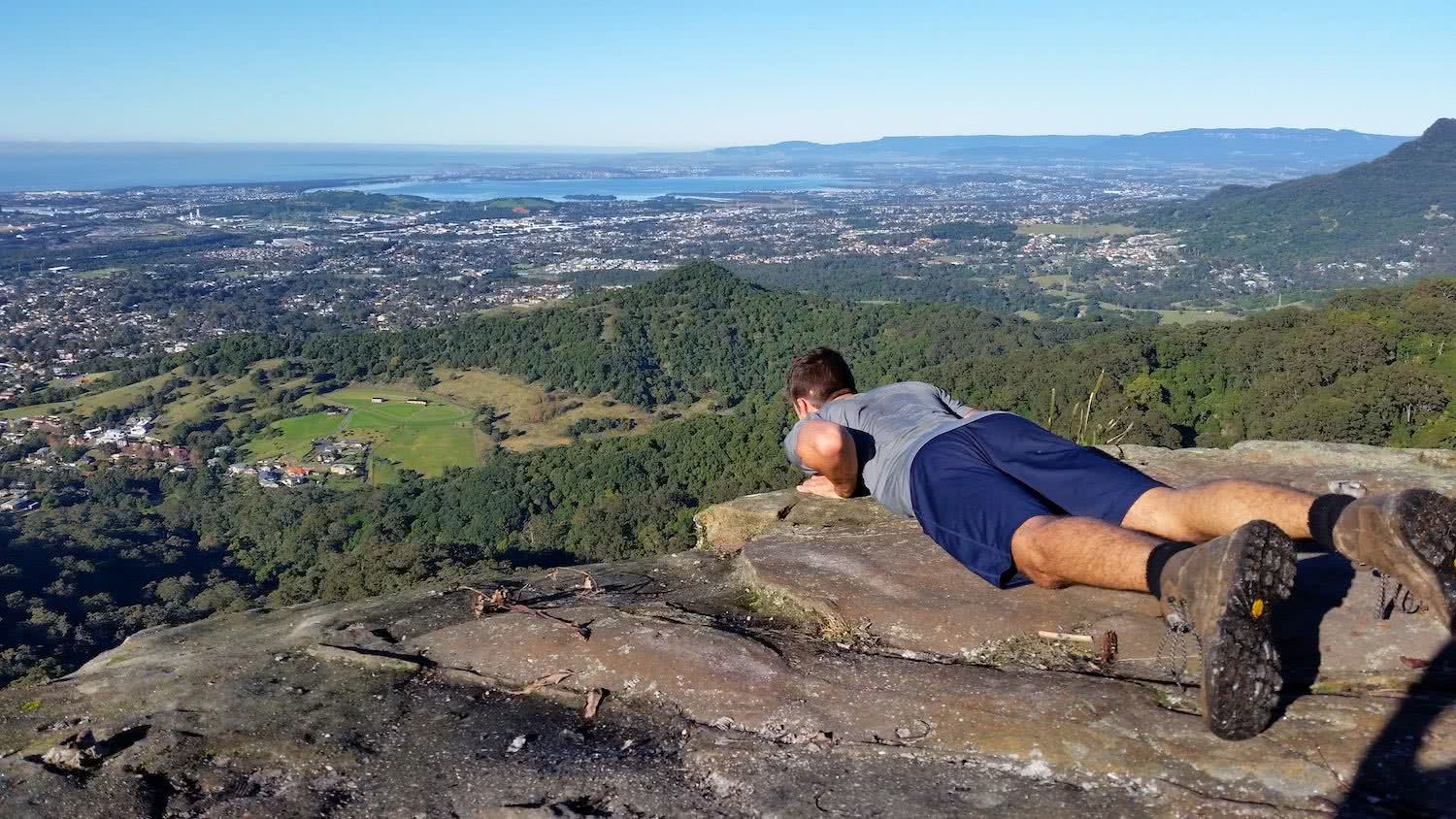 Brokers Nose, nicholas di genni, illawarra, best walks, microadventure, mt kembla summit, cliff