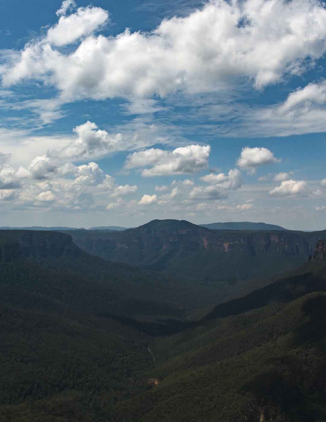 Escape From The Urban // Blackheath To Acacia Flat (NSW), Matt n Kat Pearce, Grose Valley, Blue Mountains, clouds, distance