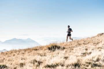 asoggetti, unsplash, trail running, mountain, grass