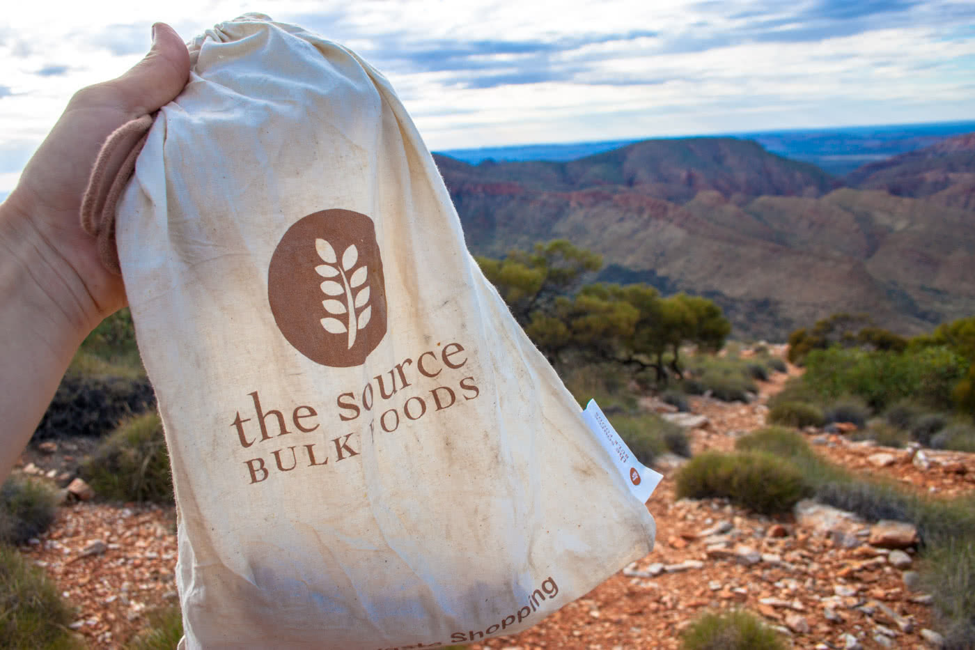 Plastic Free Hiking, Caitlin Weatherstone, hiker, track, Larapinta Trail, bulk foods, cotton bag, the source, hiking food