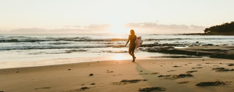 Wave Chasin' & Waterfall Hunting // The Legendary Pacific Coast, Georgia Farell, Photo by Pat Suraseang, Angourie Beach, surfer, woman. surfboard, beach, ocean, waves, sunrise