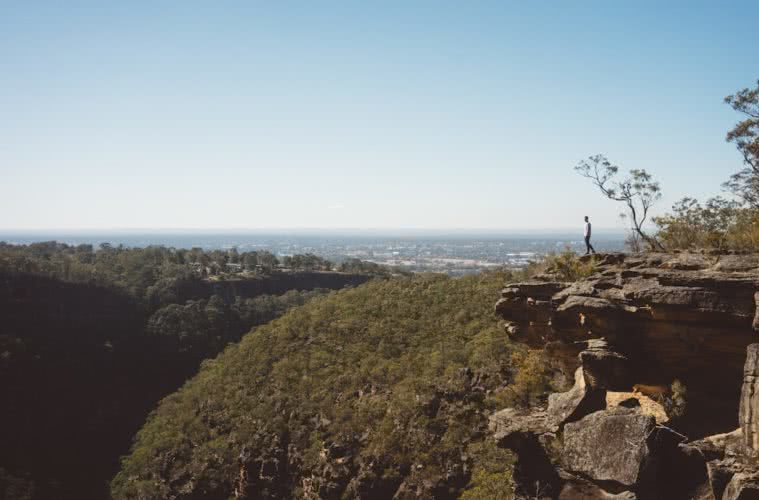 erin mcgauley, glenbrook gorge, teva, microadventure, blue mountains national park, nsw, lookout