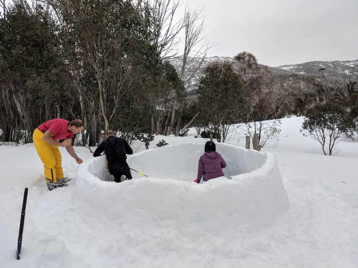 aidan howes, igloo, how to build an igloo, ice, snow, entrance