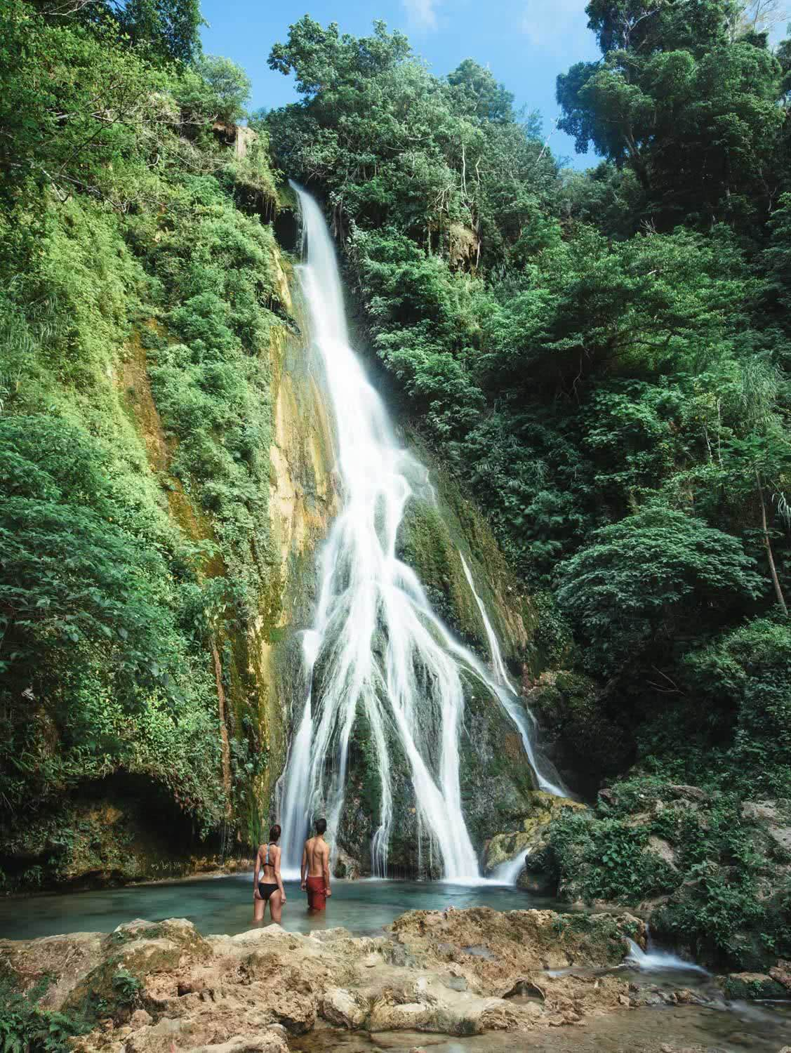 Exploring Efate's Jungle Waterfalls (Vanuatu), Henry Brydon, Mele Cascades, couple, pool, jungle