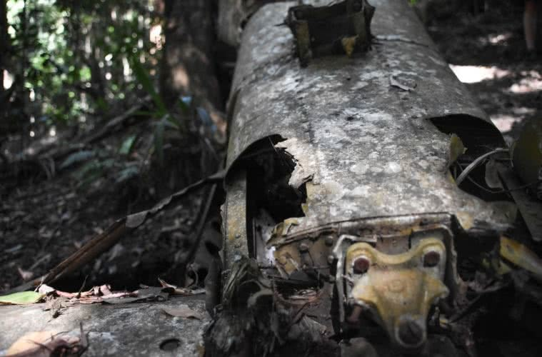 Discover The Piper Comanche Plane Wreck // D'Aguilar National Park (QLD), Lisa Owen, Close up, rusty
