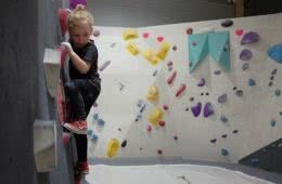 Bouldering in Canberra, Bloc House, Mattie Gould, kid climbing