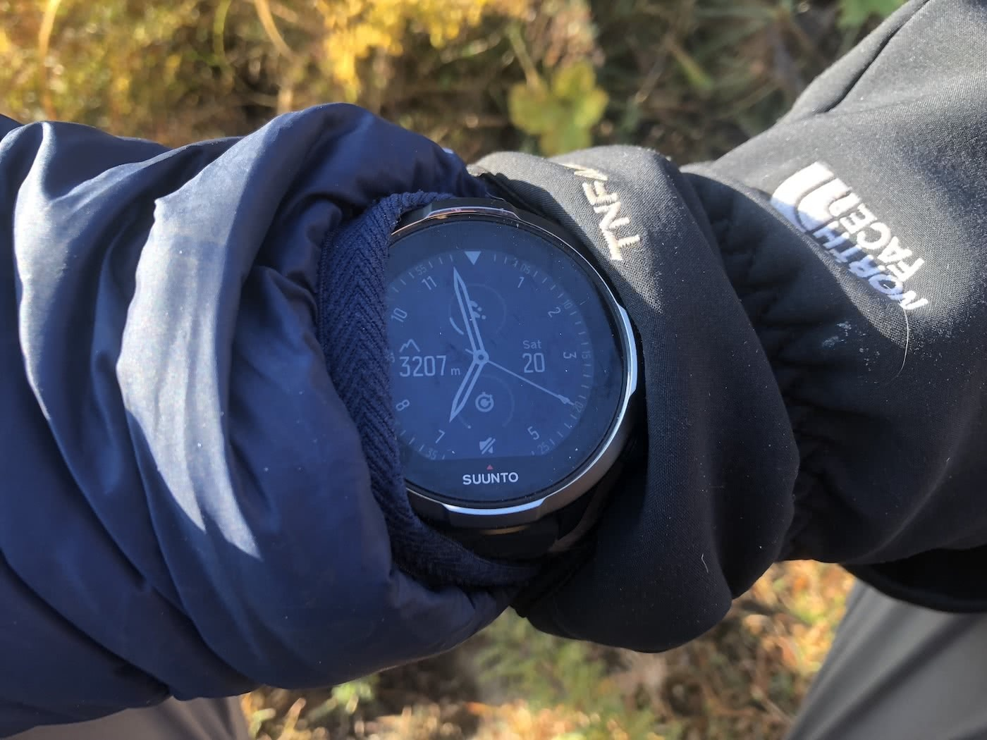 Relive The Battery Glory Days - Suunto 9 Baro // Gear Review, tim ashelford, gps watch, analog
