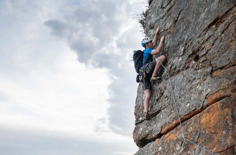 Osprey Mutant 22L Backpack // Gear Review, Mitch Scanlan-Bloor, rock climbing, illawarra, backpack, cragging, feature, cliff