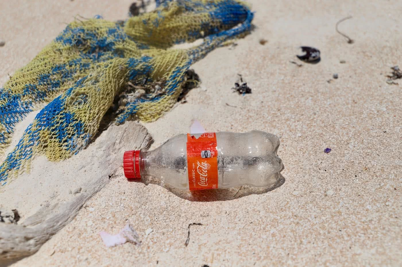 Paradise, Lost :: Lizard Island (QLD) Solaye Snider plastic bottles, beach waste