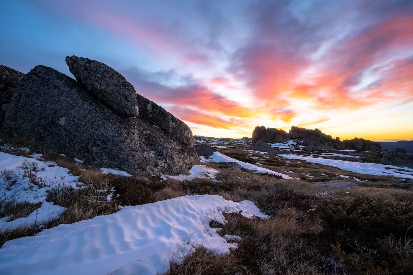 It's Time For Aussies To Learn How To Stay Warm photo by Jon Harris sunrise in the snow, kosciuszko, main range, merino baselayers