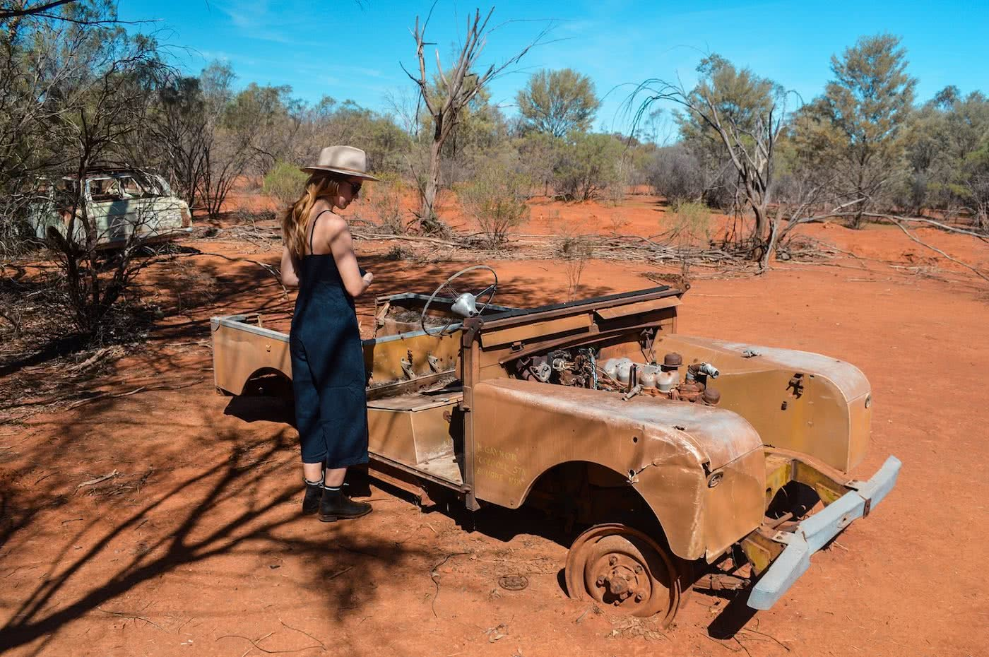 Taking Tiguan to the Outback // Gundabooka & Mutawintji National Parks (NSW) by Natalie Hardbattle, Not Tiguan, rusty car, land rover defender