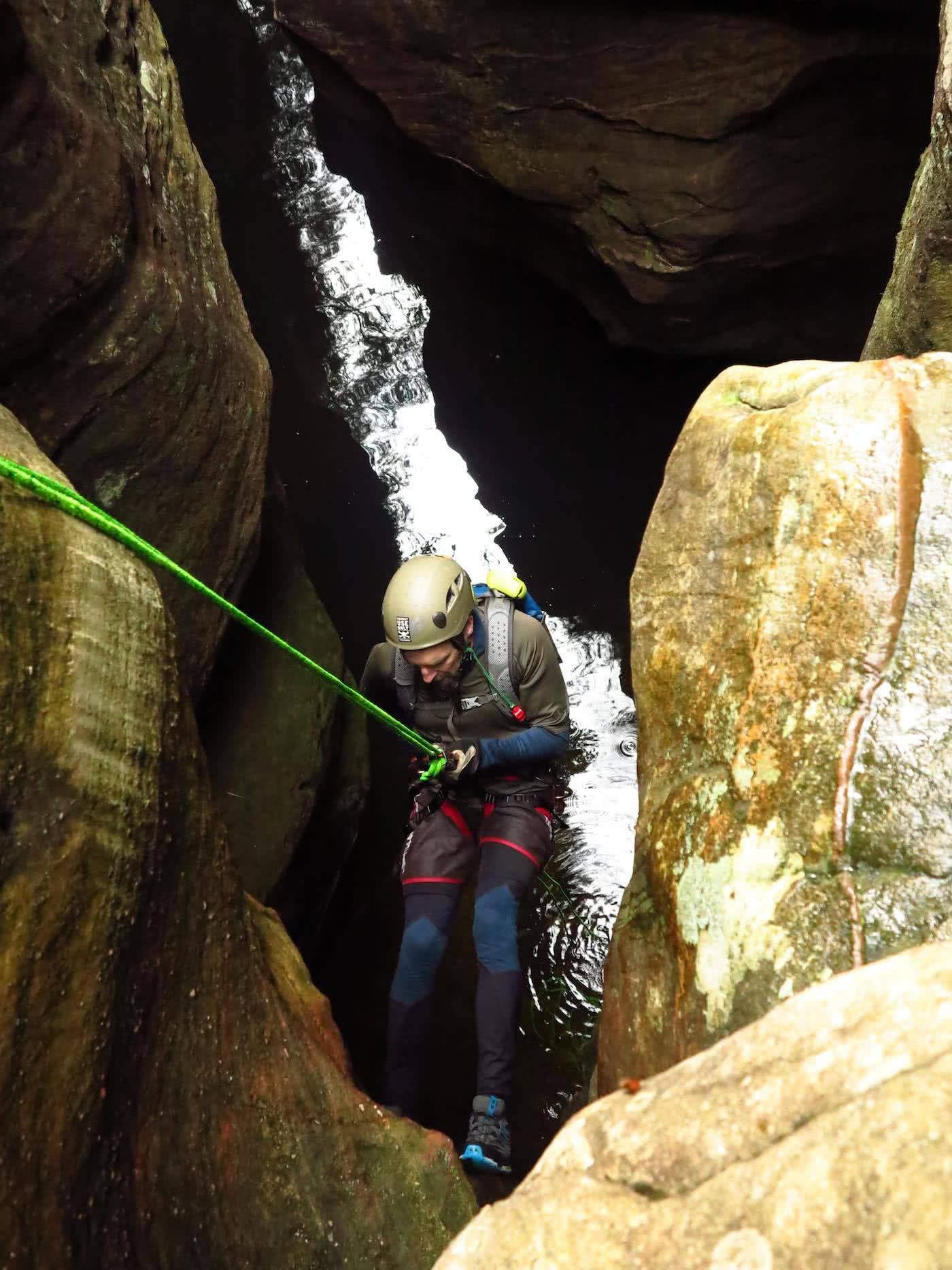 It's Time For Aussies To Learn How To Stay Warm photo by Dan Slater canyoning, blue mountains, merino baselayers