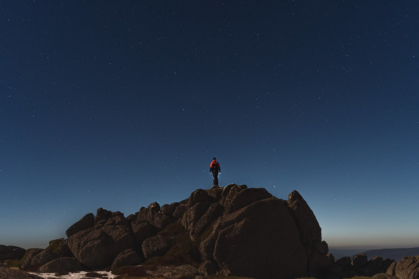 Spring Snow Campout // Main Range (NSW) by Mattie Gould, photo by Jon Harris, astrophotography in the moonlight