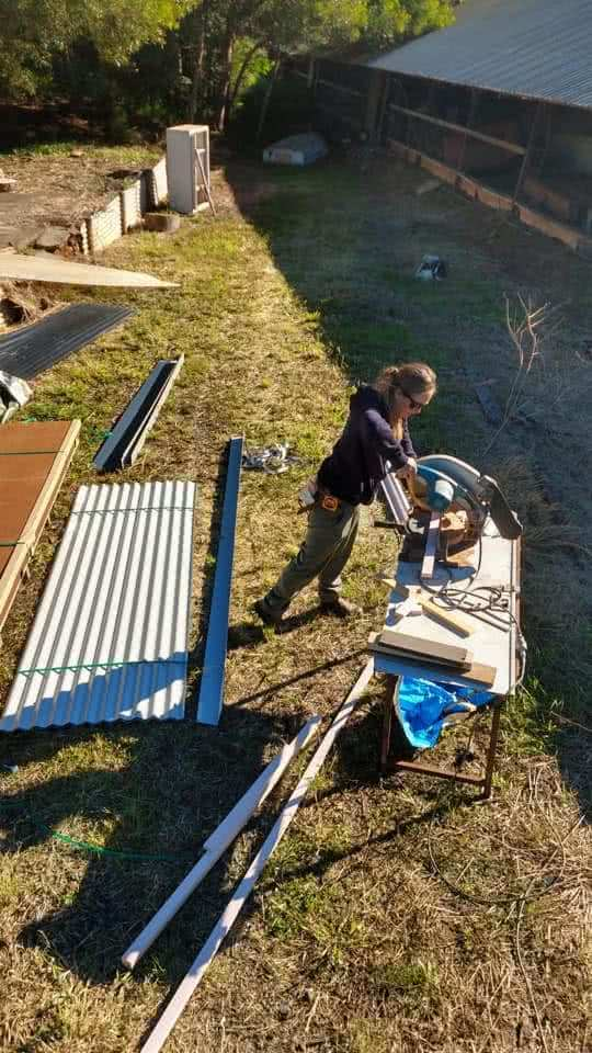 6 Things I Learnt While Building MyTinyHouse, saw, construction, woman