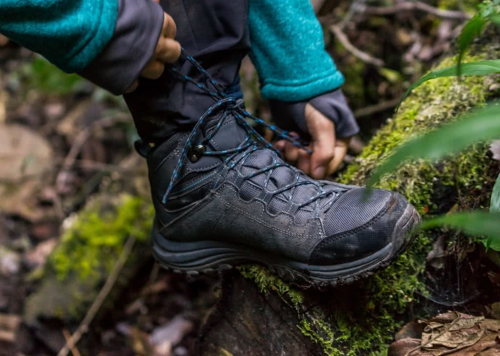 I Tested A Full Kit Of Cheap ALDI Hiking Gear Over Nearly 100km, hiking boots, laces, stump