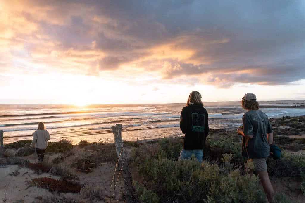 Barren, Wild & Clean // Road Trippin' The South Aus Coast, boys, sunset, ocean
