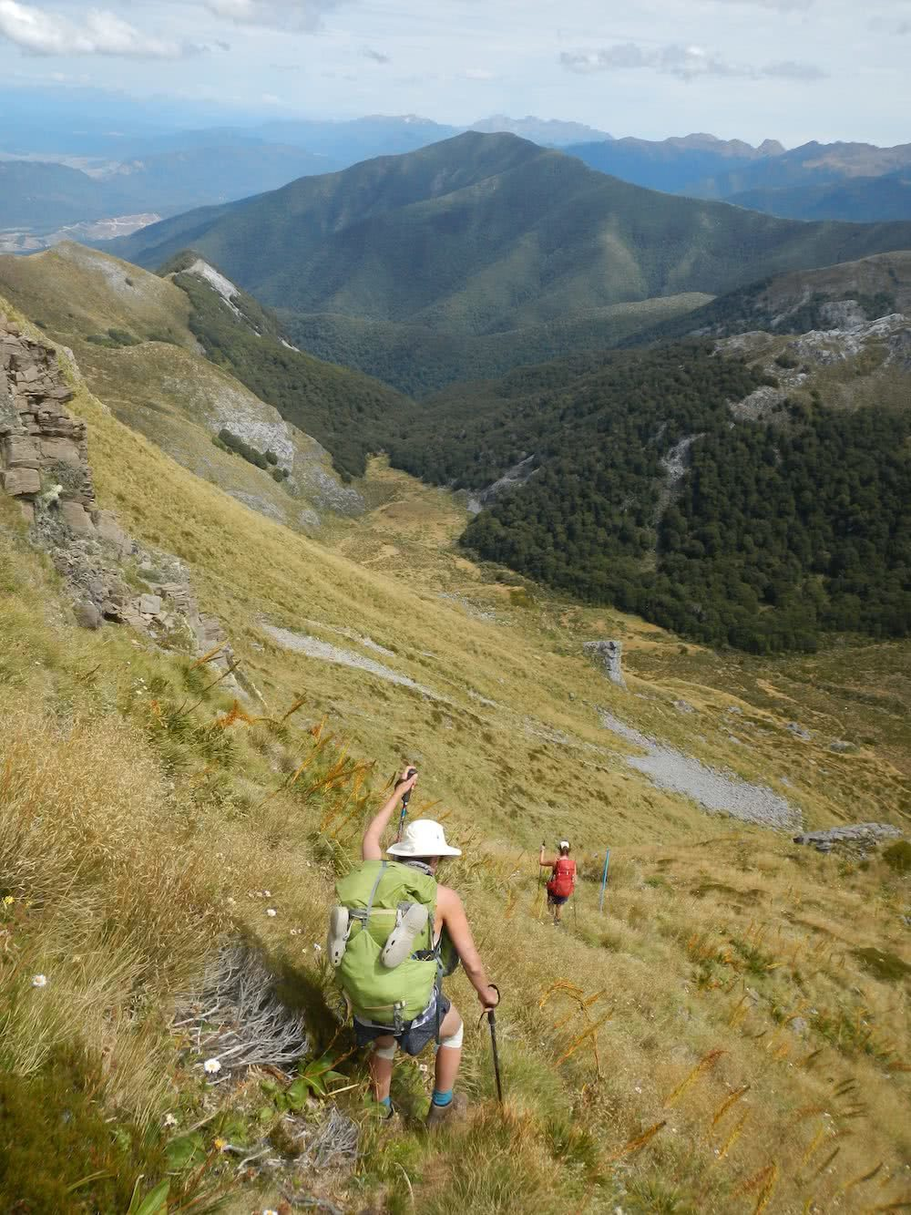Down to Ellis Basin, photo by Myrthe Braam, Mt Arthur, hut hiking, Kahurangi National Park, New Zealand