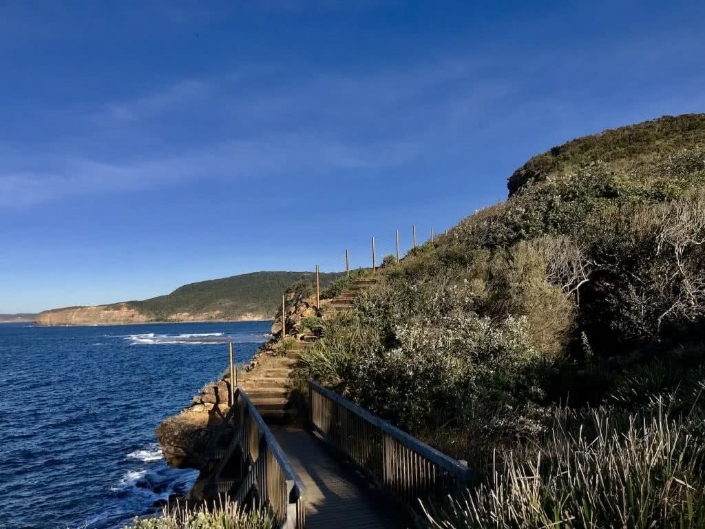 Escape From The City // Bouddi National Park (NSW), Renee Summers, coastal walk, ocean, cliff, path