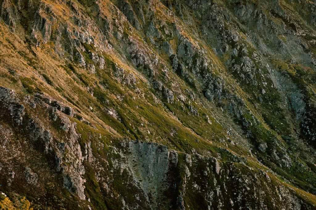 Almost Alone In The Aussie Alps, Aedan O'Donnell, Charlotte's Pass, ridges, mountain, grass, rocks